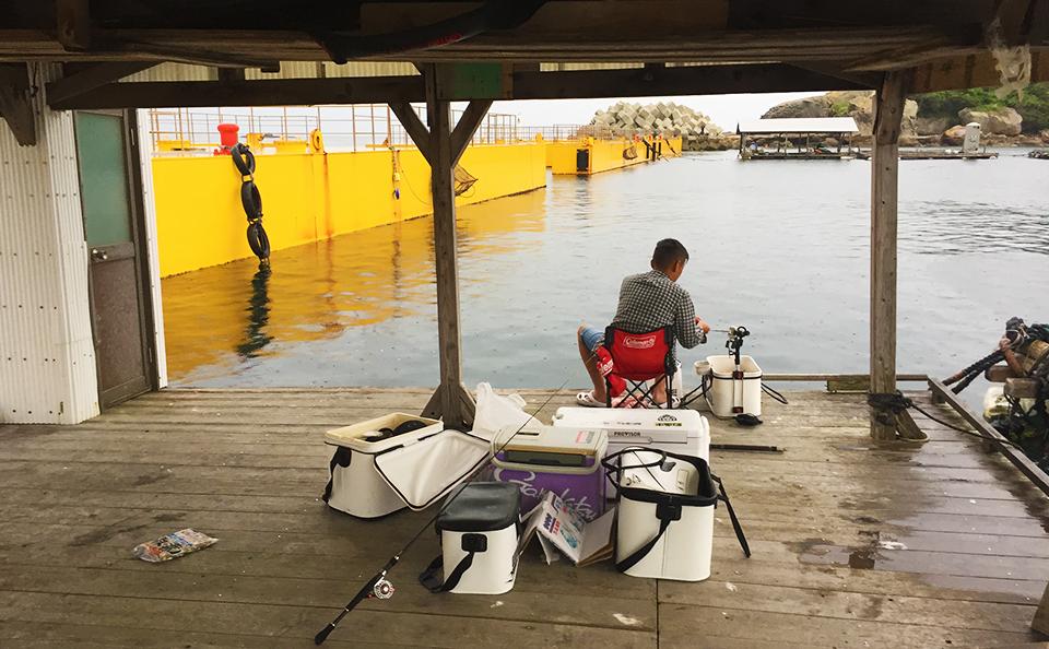 盆休み、大雨のダゴチン釣り(鷹島)