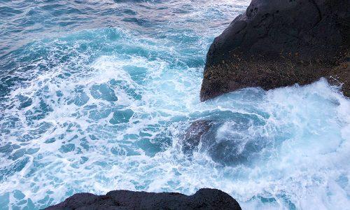 古志岐三礁(スベリ)で修行、ウネリと風の攻防