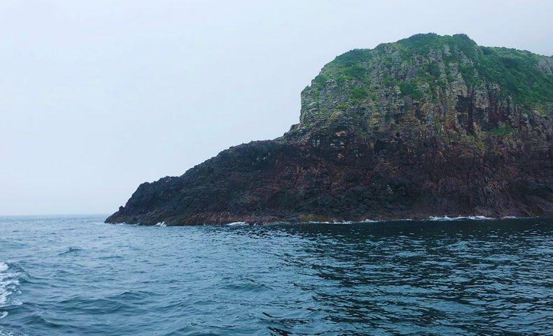 台風後の梅雨グレ、加唐島(小崎)で尾長チャレンジ