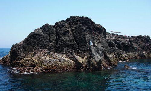 梅雨グロシーズン前の沖黒瀬(西側)・美良島(北の鼻)