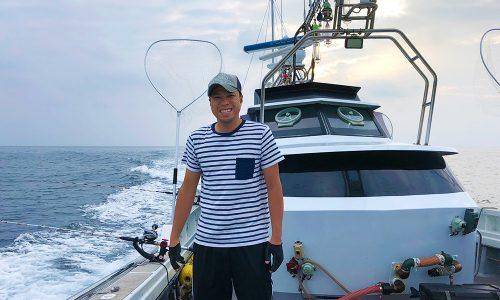 小呂島の沖でヒラマサ狙いの落とし込み釣り