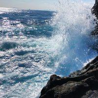 ウネリが残る古志岐三礁で寒グロを狙う(東の船付け)