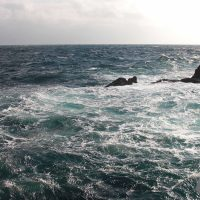大時化でクーラーを波に持っていかれる。古志岐三礁(ラクダ瀬)